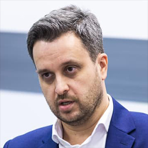 АРТУР БОРЦОВ Директор по корпоративным коммуникациям, СИБУР
